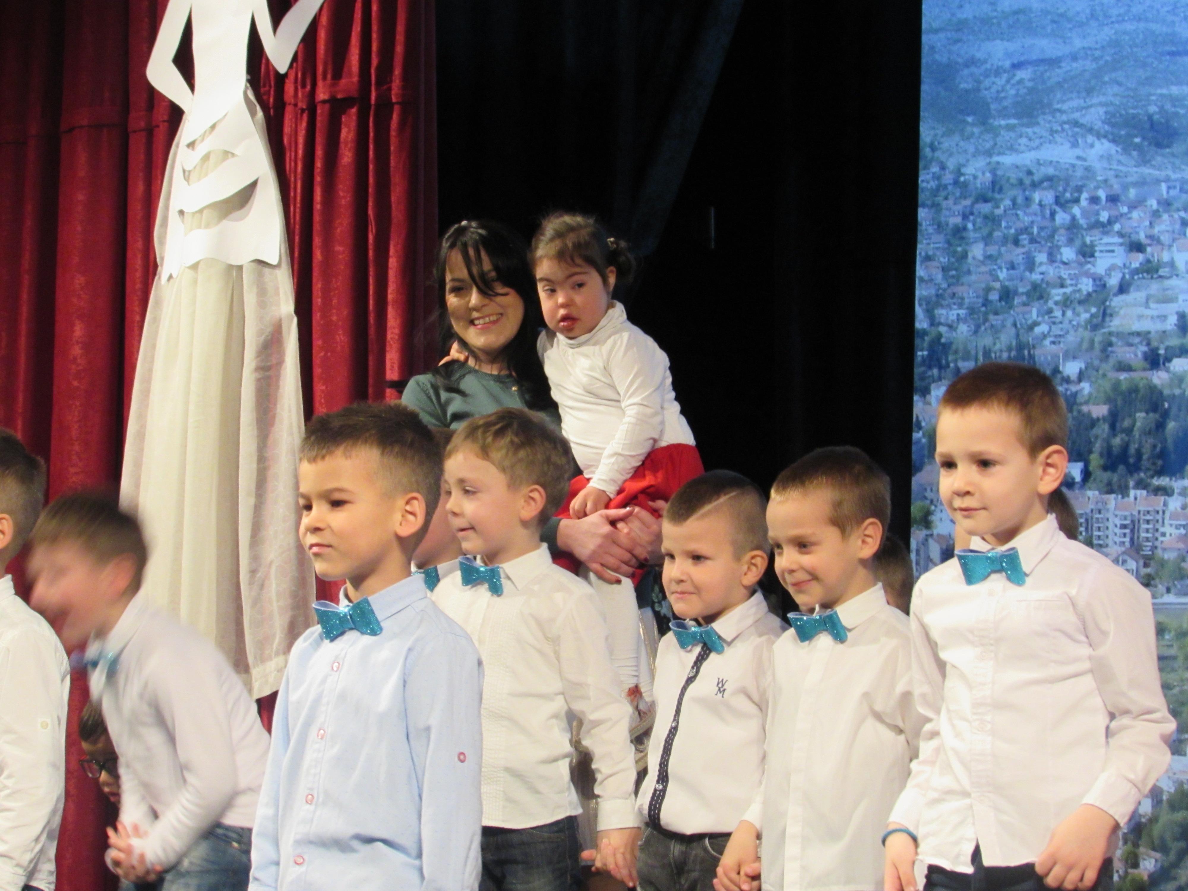 Mališani vrtića Naša radost prigodnim programom obilježili 8.mart
