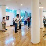 """Културни центар отворио изложбу у Мостару """"Савремена умјетничка сцена Требиње""""(видео)"""